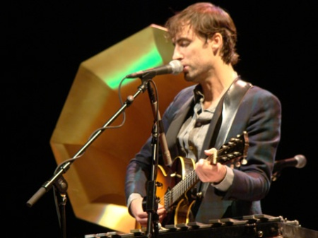 andrew-bird-right-guitar