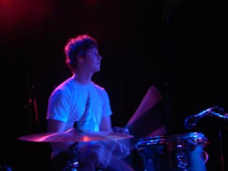 wavves-drummer-dark